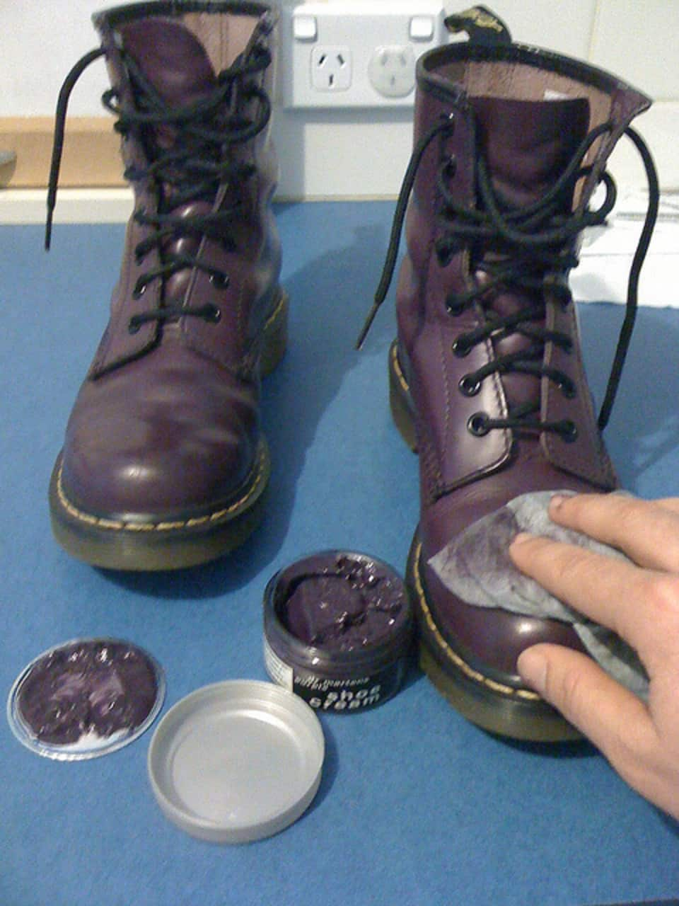 Cleaning And Maintaining Your Work Boots December 2019
